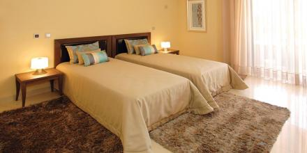 Thumb PORAM 1014, VILLA ,SILVES ALGARVE - a352c-501551783157Amendoeira-Twin-Bedroom.jpg